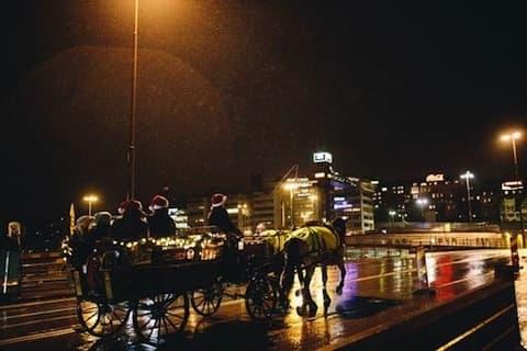 J-dagen: Julölspremiär med häst och vagn