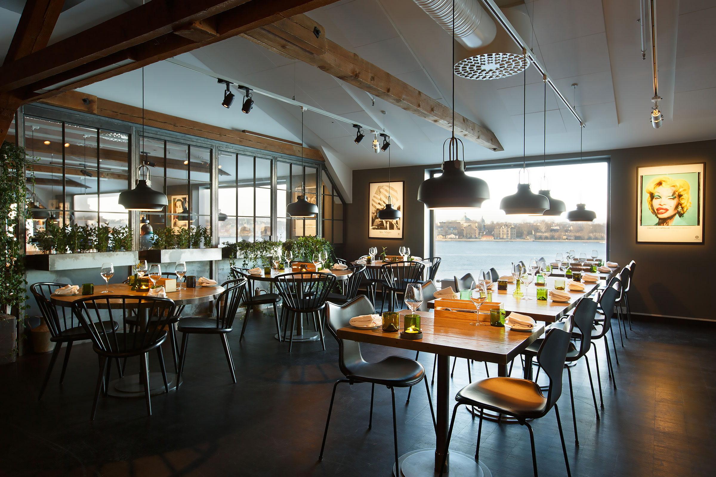 De 10 bästa restaurangerna i närheten av Royal Hotell Och