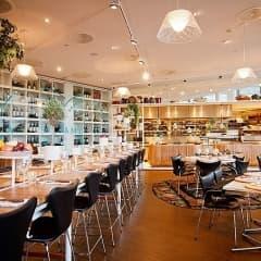 Här hittar du restaurangerna som passar bra för stora sällskap i Stockholm