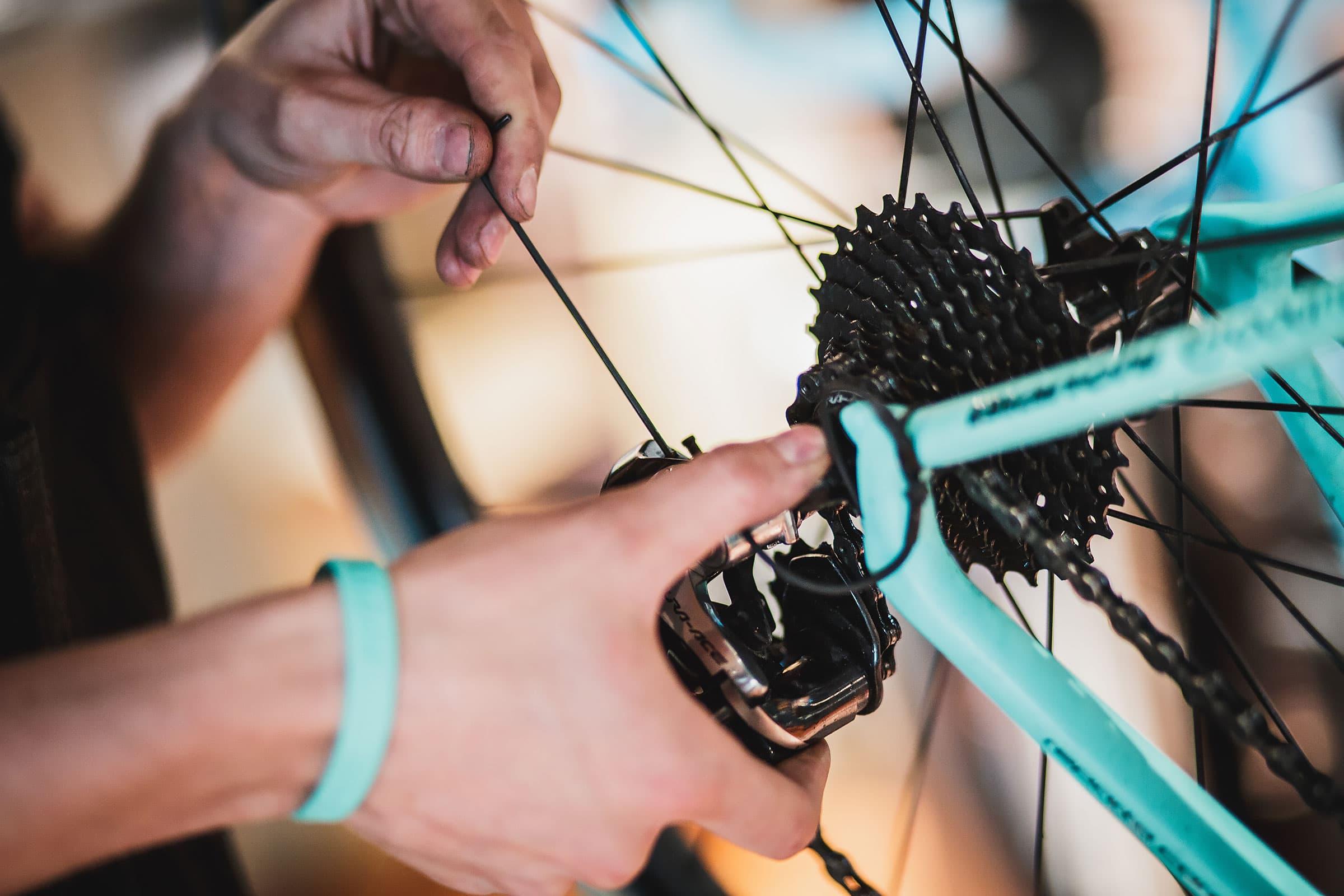 Guiden till Stockholms bästa cykelverkstäder och cykelaffärer