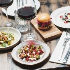 Restauranger som serverar smårätter i Stockholm