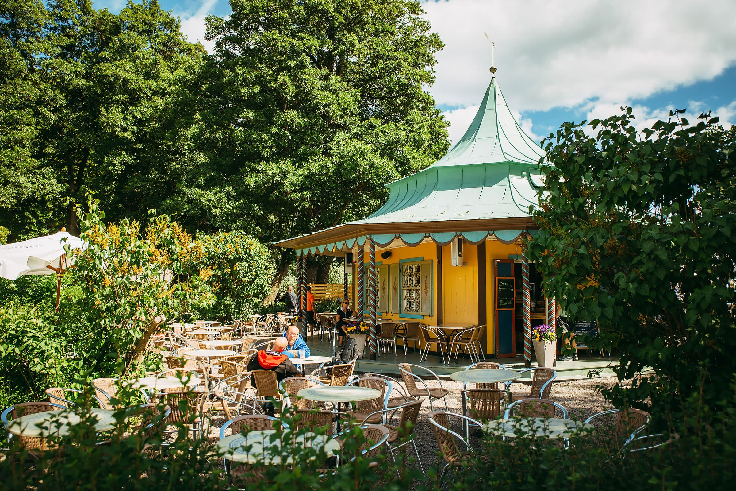 Charming cafés in green, leafy surroundings