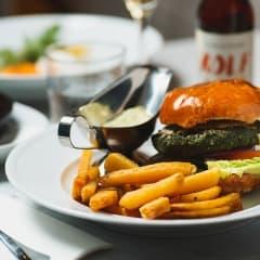 Här hittar du Stockholms bästa vegetariska hamburgare