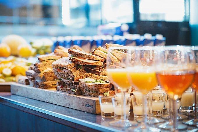 Kontinental frulle de luxe hos Bar Robusta hela helgen