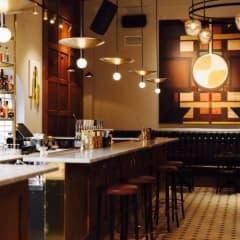 Pelikan Bar nyöppnar med konst och svenska smaker