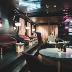 EM-studio med kända gäster på Barbro