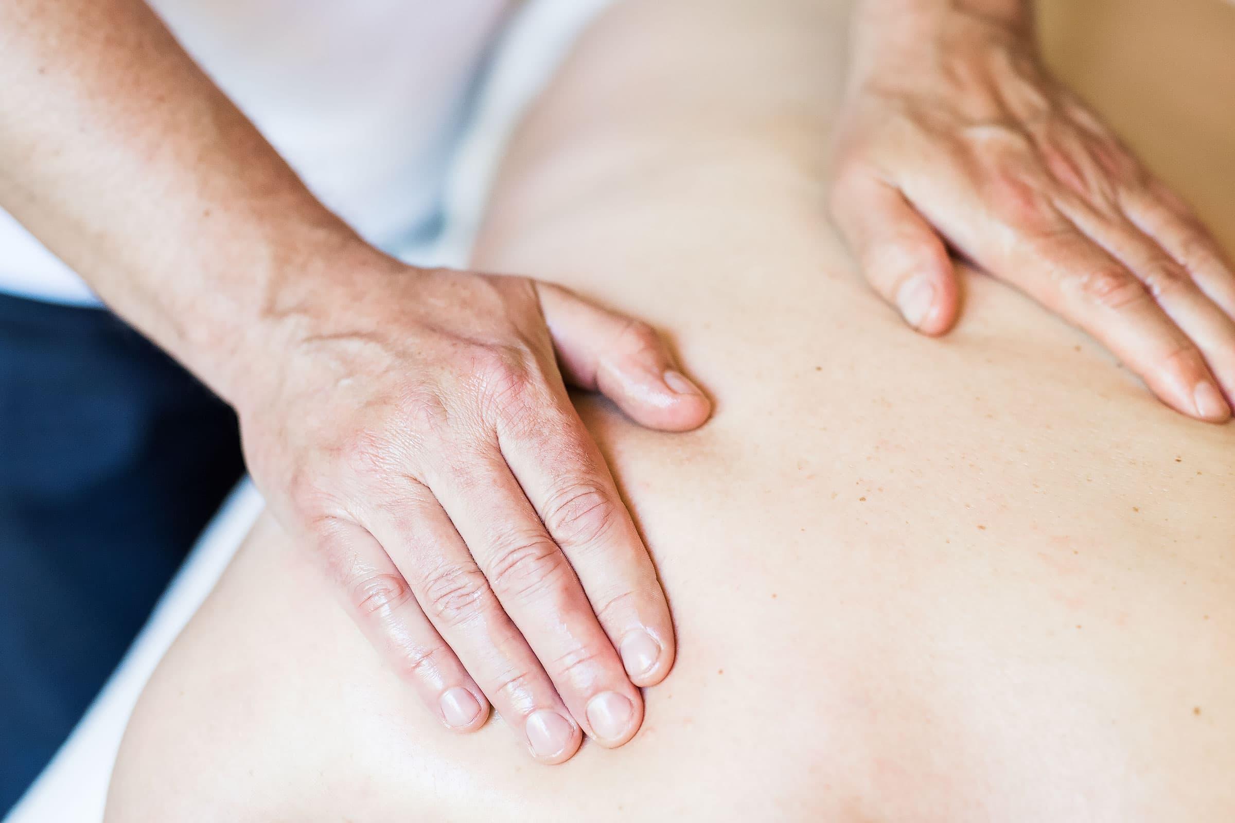 bra massage göteborg massör karlstad