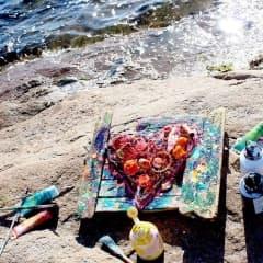 Konst av skräp från havet
