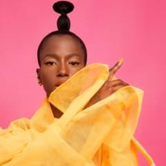 Sabina Ddumba inleder höstturné på Dramaten