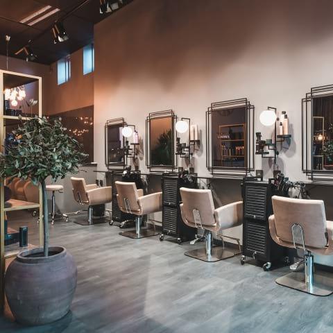 Här finns frisörerna i Göteborg med koll på färg