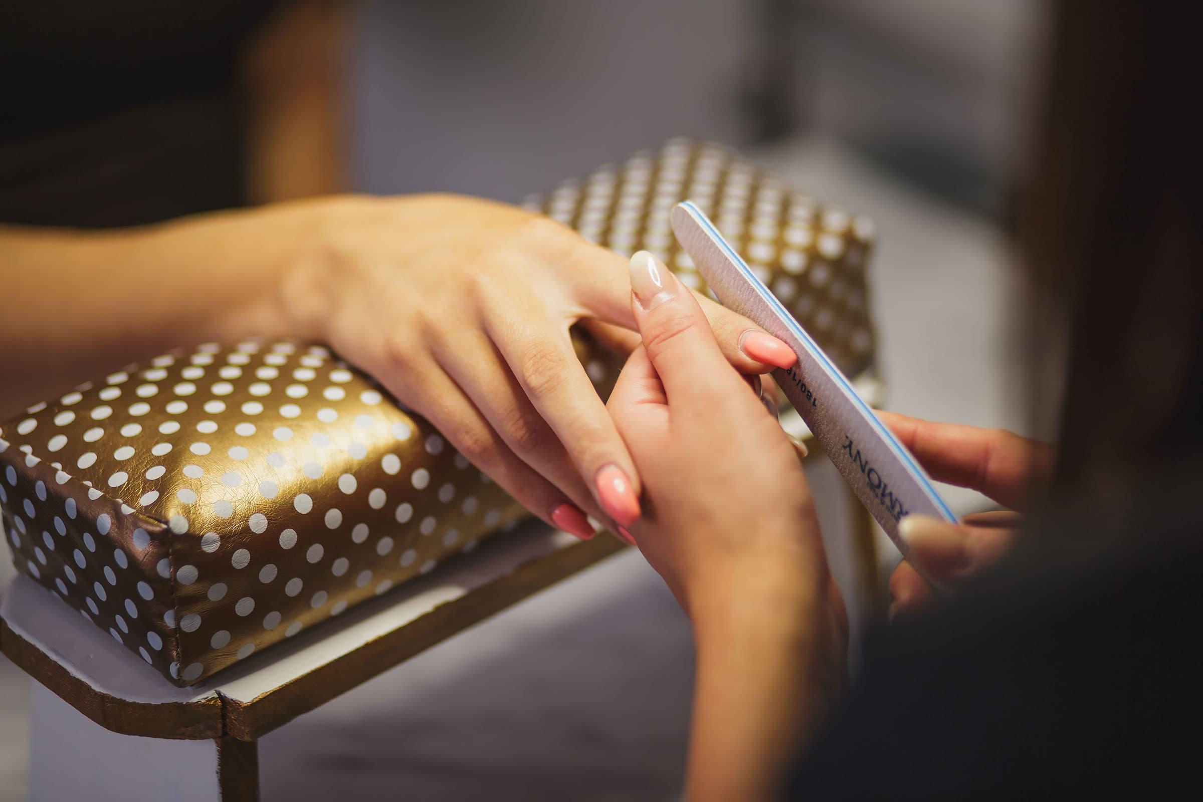 billig nagelsalong göteborg