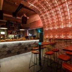 Här hittar du restauranger där köket stänger sent i Göteborg