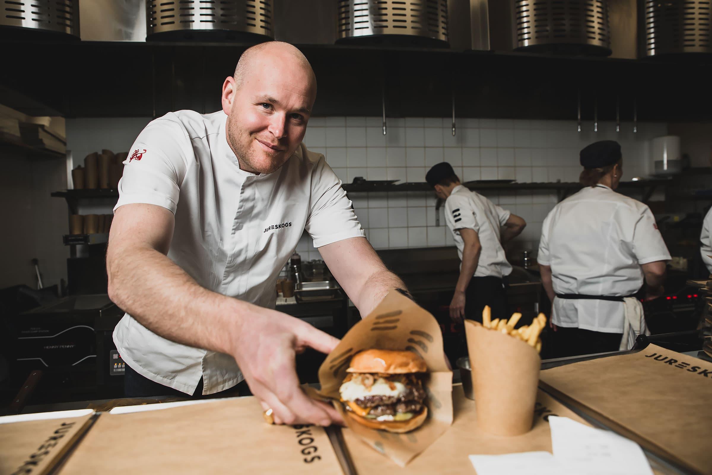 Jureskog satsar på hållbara hamburgare och skön mentalitet