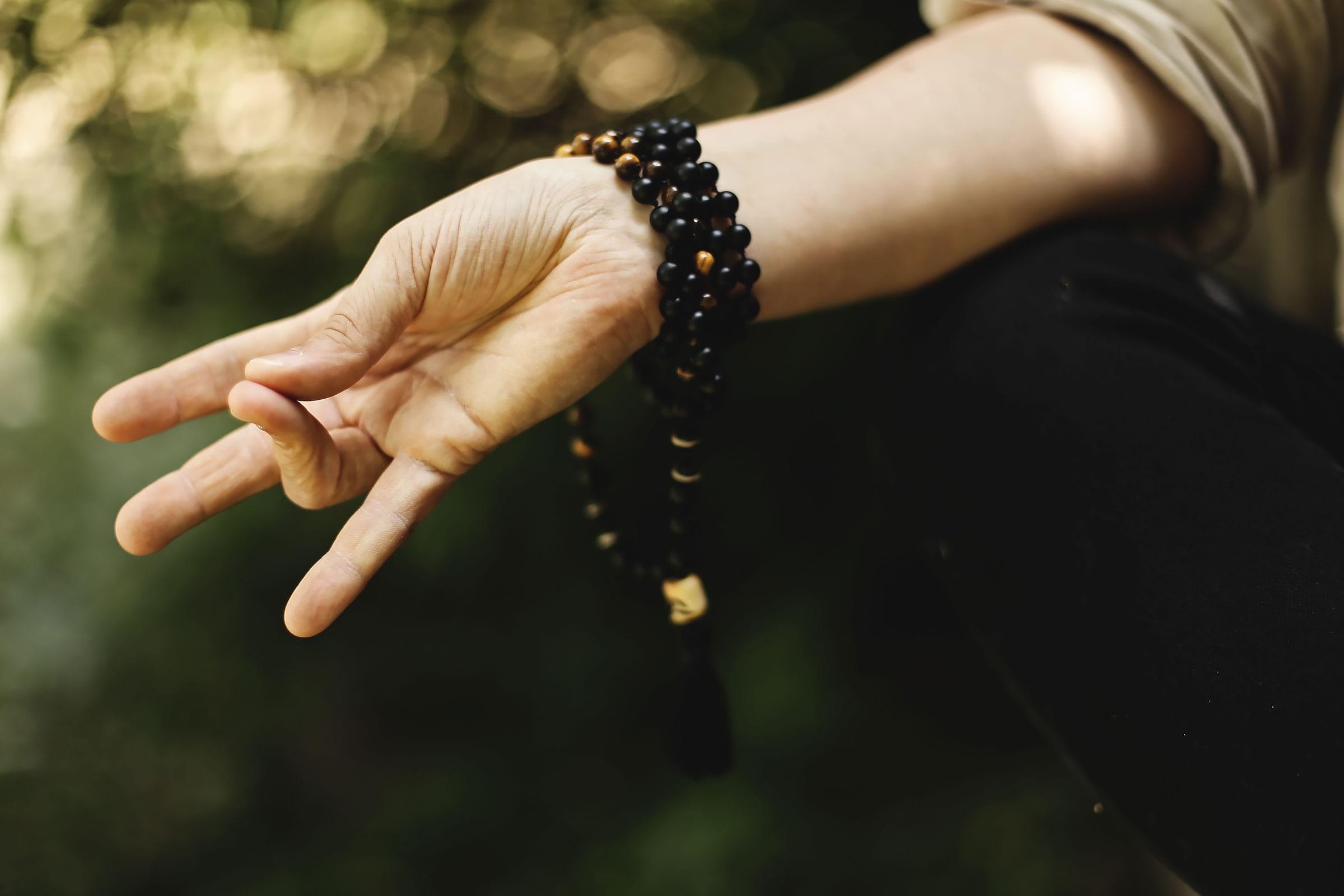 Fältöversten öppnar en hörna för meditation