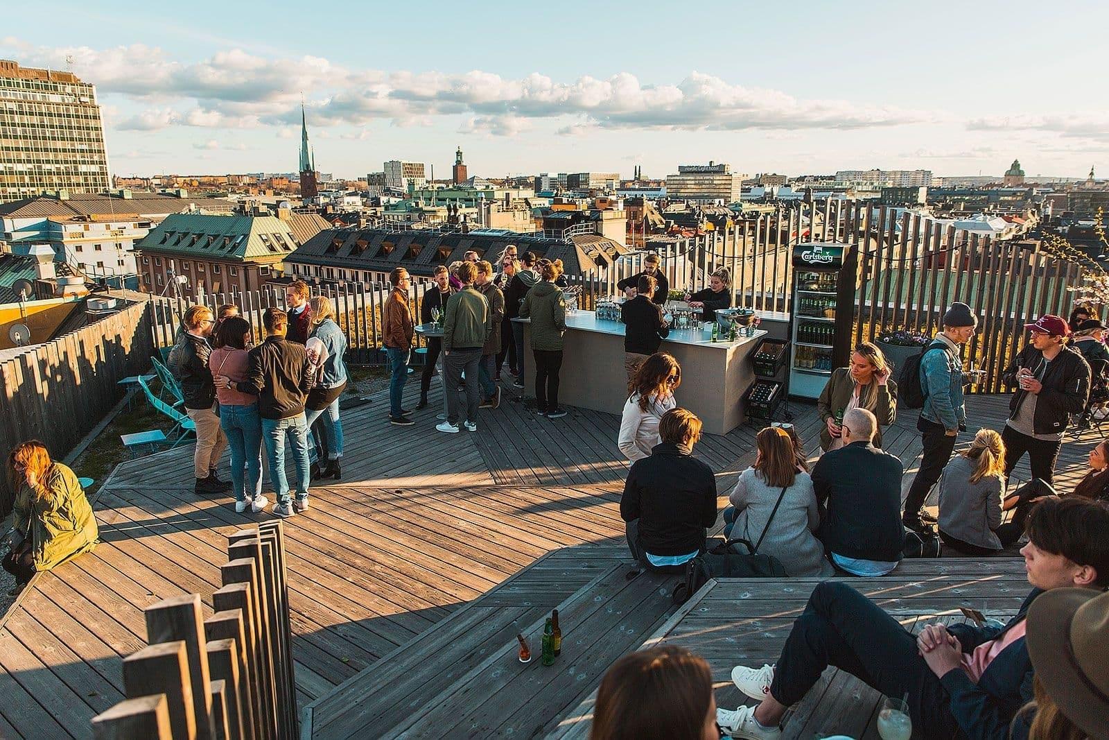Takpark mitt i Stockholm ger skön utomlandskänsla