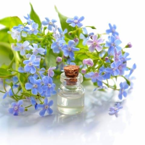 Lär dig om eteriska oljor och skapa din egen doft