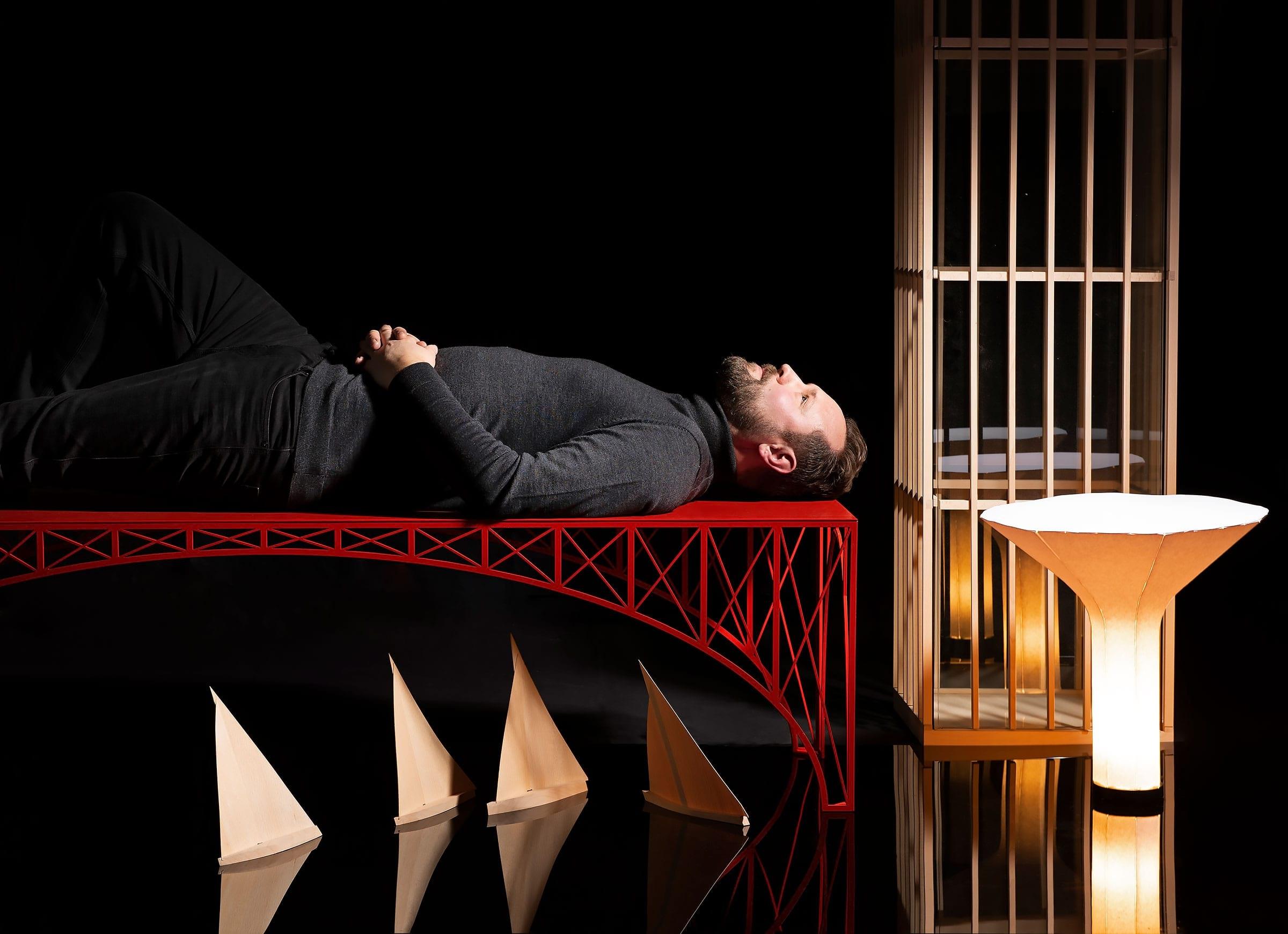 Designgalleriet visar Pierre Sindres stadsinspirerade möbler