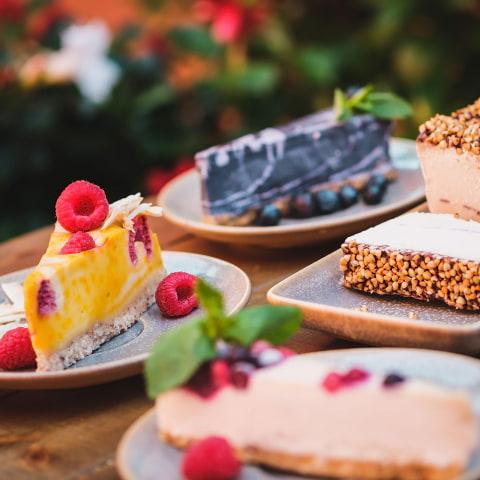 Guiden till veganska caféer i Stockholm