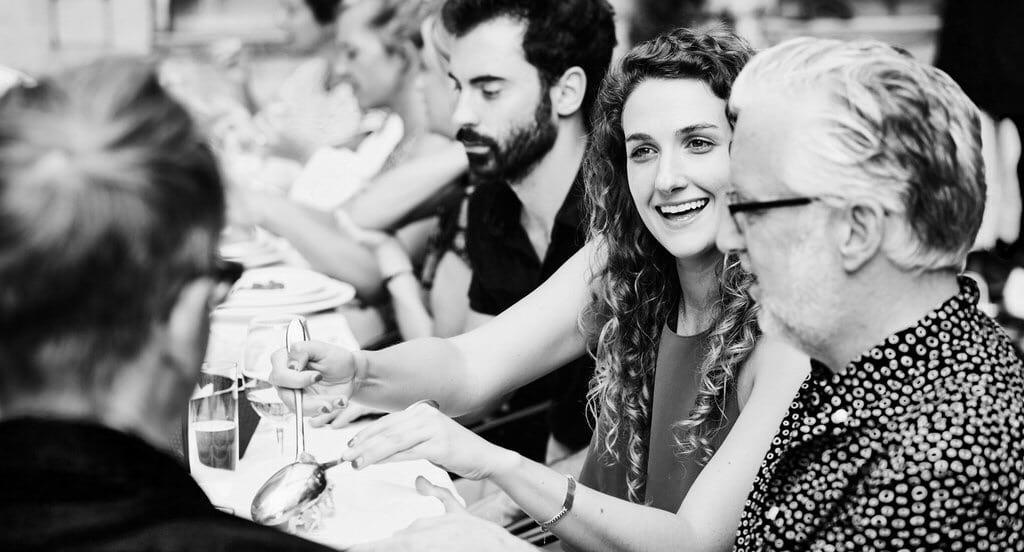 Kom ensam och ät med främlingar på Oaxen Slip