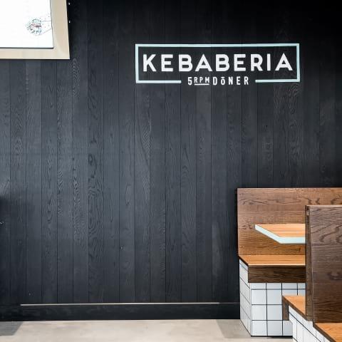 Kebaberia kör tight koncept från grunden