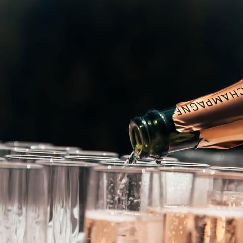 Champagne och beats under take over hos Maglia