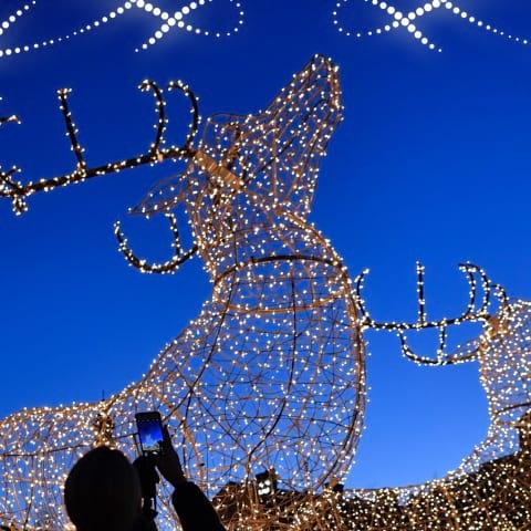 Då tänds julbelysningen i Stockholm