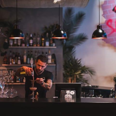 The Seven firar ett år – bar från Miami gästspelar