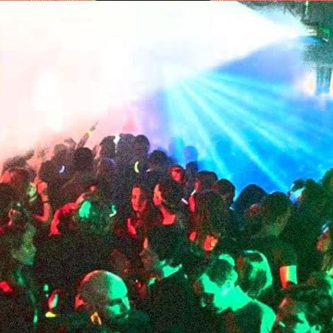00-03 DJ Viet-Naam | Debaser Strand