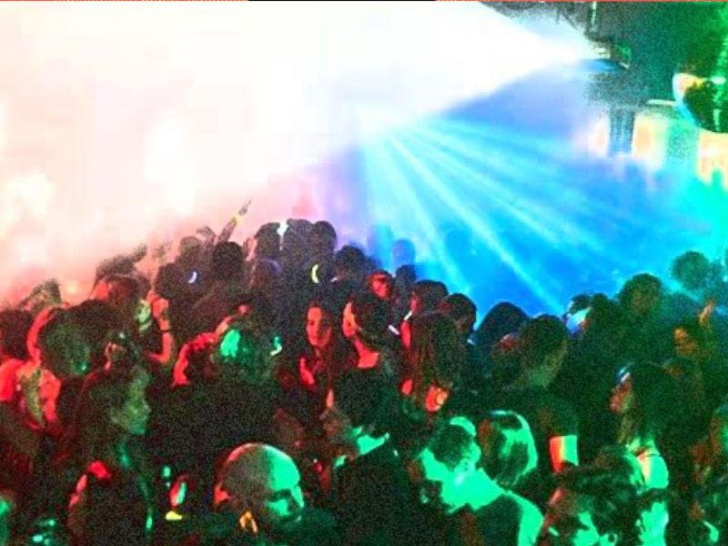 00-03 DJ Viet-Naam   Debaser Strand