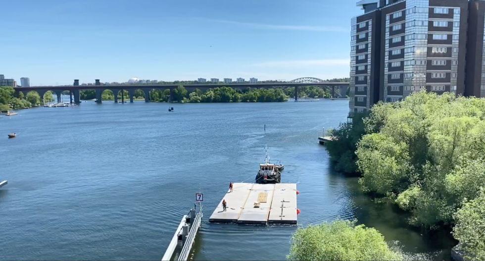 Ny kulturscen på vattnet under Liljeholmsbron