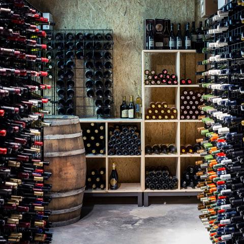 Köp vinflaska – få middag och hotellnatt på köpet