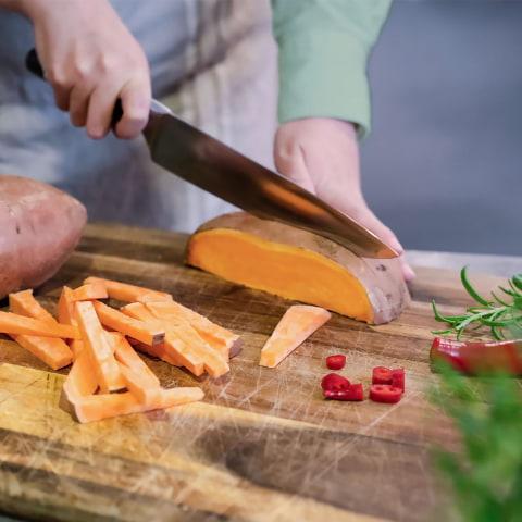 Digitala livekurser i matlagning och klippning