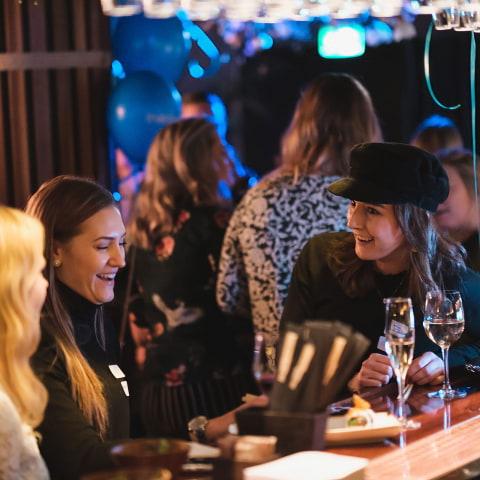 Restauranger med festlig stämning i Stockholm