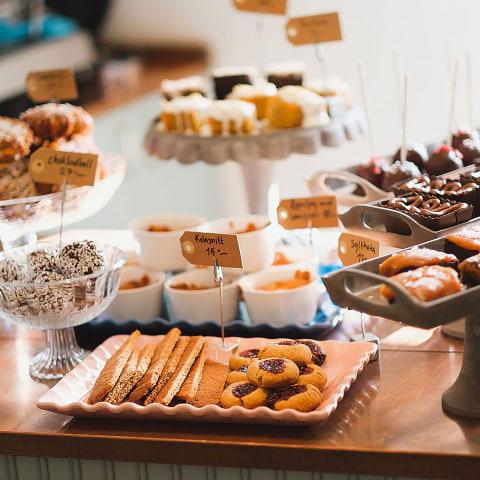 Beskedet: Nu begränsas även öppettider för caféer