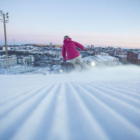 Nu öppnar Hammarbybacken för skidsäsongen