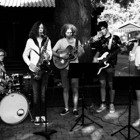 Sommar Jam med Ajakas Orkester på Biocafé Tellus