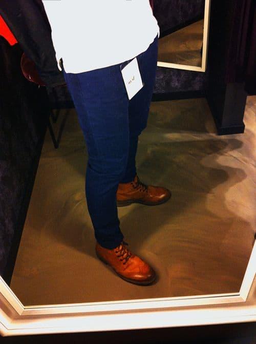 Hittade ett par blå byxor från Acne som påminner lite om jeans men är  enfärgade och lite mjukare och tunnare i tyget - lite chinostuk fast med  snygg tight ... 97be69c76ef7f
