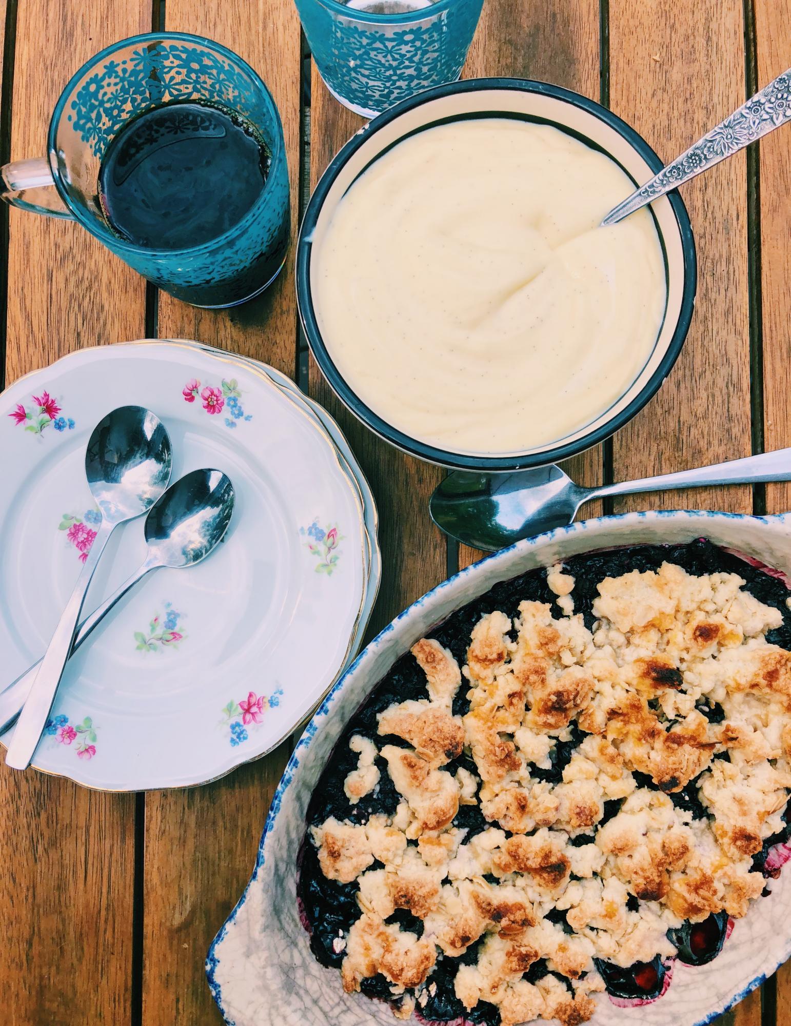 Blåbärspaj med världens godaste vaniljsås