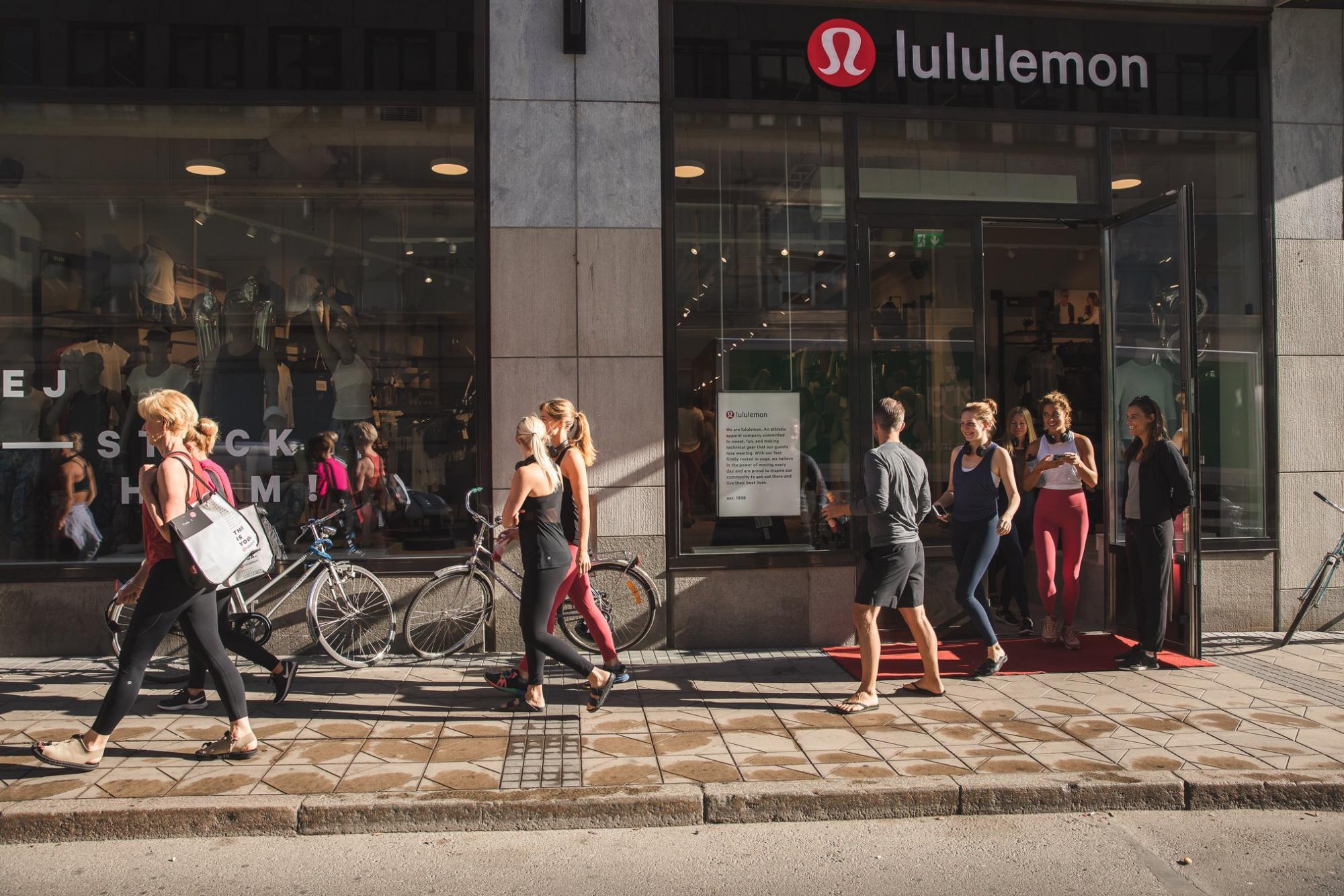 Träna gratis med Lululemon i Stockholm