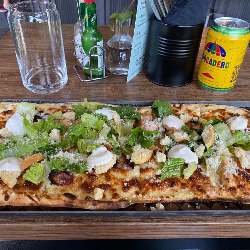 Caesar-pizza. Väldigt god! – Bild från 4 Corners Pizza Hammarby sjöstad av Peter B.