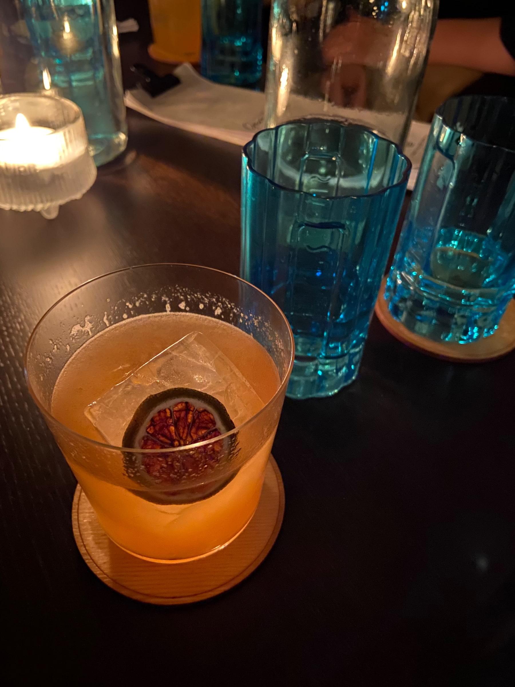 Bild från A Bar Called Gemma av Fredrik J.