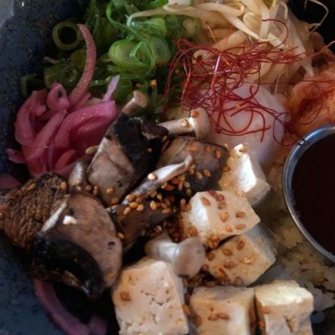 Donburi med tofu – Bild från Ai Ramen Klara av Agnes L.