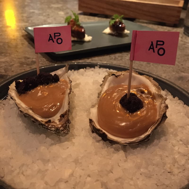 5/10 Oyster tråkigt bränt men en god kräm med hög syra. Det kanske går att balansera bättre? – Bild från Asian Post Office av Anna T.