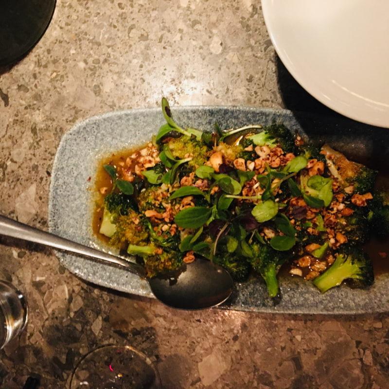 9,5/10 Broccoli wow så enkelt å så gott! Allt passade så bra ihop – Bild från Asian Post Office av Anna T.