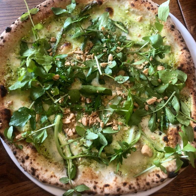 Asparago – Bild från Ateljéns Pizza av Fredrik J.