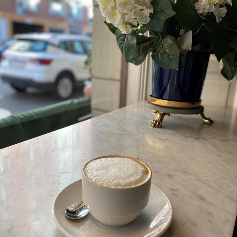 Cappuccino – Bild från Bageriet Kringlan Östermalm av Madiha S.