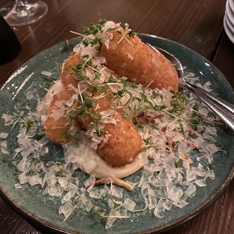 Tryffelkroketter – Bild från Barrique Restaurant & Wine Bar av Erica E.