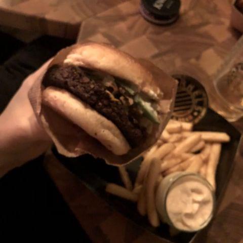 Bild från Barrels Burgers & Beer City av Linn W.