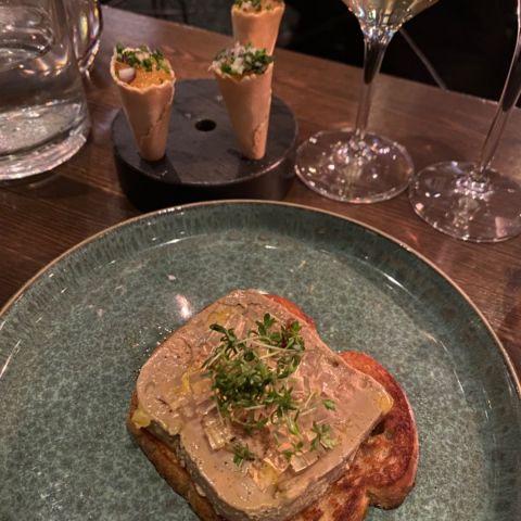 Anklevermousse m champagnegele – Bild från Barrique Restaurant & Wine Bar av Ingela P.