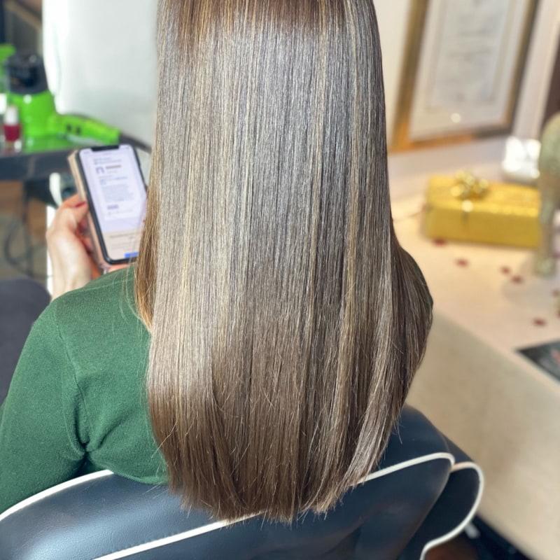 Bild från Bebas Hair & Beauty av Cruella D.